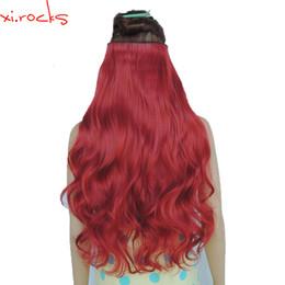 2019 pedaços de cabelo encaracolado vermelho 2 Xi.Rocks Pedaço 5 grampo na extensão do cabelo 70 centímetros Synthetic Barrettes clipes extensões 120g Curly Hairpin peruca Rose Red 130MMX190918 desconto pedaços de cabelo encaracolado vermelho