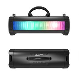 geführte verstärkung Rabatt Bunter LED-heller Bluetooth-Lautsprecher mit Tragegriff Drahtloser tragbarer 10-W-Subwoofer-Lautsprecher FM-Radio Stereo-HiFi-Boost-Soundbox M85