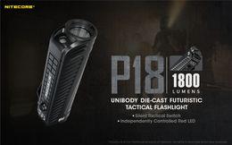 Rgb taschenlampen fackeln online-NITECORE P18 1800 Taschenlampe Lumen Weiß Rotlicht CREE XHP35 HD LED Gear Strafverfolgung Suche Outdoor Camping Taschenlampen