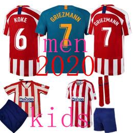 Scherzando camicia personalizzata online-Maglia da calcio personalizzata 2020 GRIEZMANN Correa Lucas Costa Koke Saul Godin Luis Gimenez 2019 2020 Kids Kits Women Men maglia da calcio
