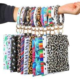 Manos colgantes online-Pulsera de la PU llavero de cuero reloj de llavero del bolso de leopardo pulseras pendientes carpeta de señora del bolso de embrague de mano llevar las bolsas de caja del teléfono GGA3065