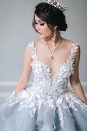 2019 vestido de flores de talla grande azul nude Vestidos de novia de princesa azul Vestidos de boda árabes góticos Vestidos de novia de la iglesia floral en 3D Tallas grandes Vestidos de novia con ilusión de cristal Novia vestido de flores de talla grande azul nude baratos