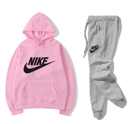 Donne di abbigliamento invernale designer online-2019 Brand Designer Leisure suit men and women Winter new fashion Sports suit High-quality clothing #054