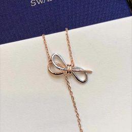 Tipi catene in oro 18k online-Collane con pendente in cristallo di marca Swa con fiocco in cristallo di design tipo Y Collana lunga in oro rosa con zircone a catena per gioielli da donna