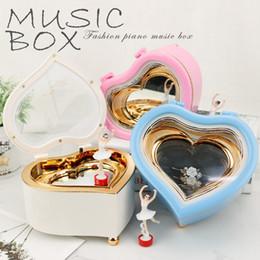 Material de baile online-Dance Girl Gire Music Box Eco Friendly Material Corazón Ocho Cajas de tonos Lovely Reusable Vender bien 12 7yl J1