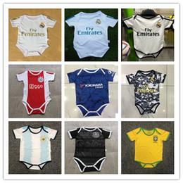 Pantalones cortos de escalada online-19 20 Nuevos jerseys de fútbol para bebés Mono de manga corta Real Madrid Ajax Baby Triangle Climb Clothes Loveclily Jerseys PELIGRO ISCO MBAPPE