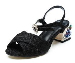 Crystal Button Bohemian Donna Scarpe Eleganza Moda Nero Tacchi alti Fiori di alta qualità Bling con paillettes di stoffa Appliques Sandali cheap black sandals bling da sandali neri bling fornitori