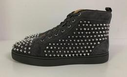 Argentina Nuevos zapatos de marca de lujo para mujer franja brillante con zapatos de diseñador de zapatos con brillos de alta calidad para hombre blanco y negro tamaño 35-45 cheap quality dress shoes for men Suministro