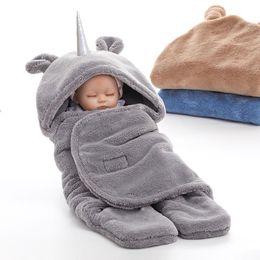 Простые одеяла онлайн-Двойное использование слой ягненка бархатное одеяло равнина равнина теплый спальный мешок младенца footmuff полотенце единорог детское одеяло