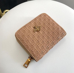 ladies wallets buckle Coupons - Wholesale brand women holding bags of classic Lingge wallet vintage embroidered leather multi-card wallet fashion two fold buckle coin purse