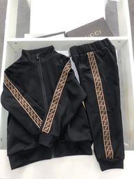 Ragazzi da bambini online-2019 Primavera Bambino Casual Tuta Bambini Boy Girl Cotton Zipper Jacket Pants 2 Pz / set Bambini Sport Suit Abbigliamento infantile