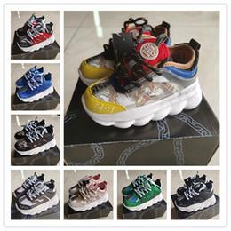 Sneakers bambini ragazzi online-Versace Chain Reaction Cross Chainer Designer Brand Scarpe da bambino Scarpe da corsa per bimbi Kanye West 350 Scarpe da corsa V2 Scarpe da ginnastica per bambina Beluga 2.0
