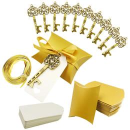 2019 bolsa de regalo de recuerdo de boda Fiesta de bodas Abrebotellas Llavero con etiqueta Papel bolsa de dulces Regalos para invitados Decoración de recuerdos de boda bolsa de regalo de recuerdo de boda baratos