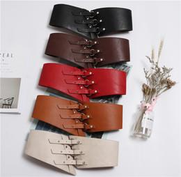 cintura di corsetto marrone Sconti 2019 anello fibbia in pelle cinturino donne vestito cinture rosso marrone PU cinturino elastico in vita cintura moda donna corsetto cintura cintura