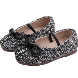 2019 yeni sonbahar çocuk ayakkabı çocuklar tasarımcı ayakkabı kızlar ayakkabı moda rahat toddler ayakkabı prenses küçük kızlar ayakkabı perakende A7144 nereden