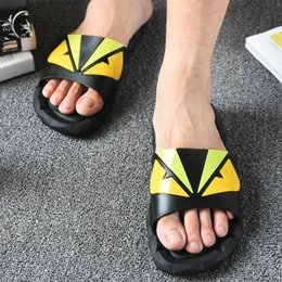 zapatillas de plástico antideslizantes Rebajas Zapatillas de dibujos animados de plástico antideslizante suave sandalias al aire libre creativo verano pareja hogar zapatos zapatos de agua 2 unids / par CCA11522 10 pares