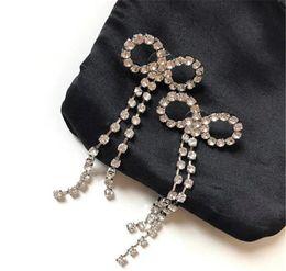 2019 donne orecchini bastone placcato orecchini gioielli di design di lusso in oro 18 carati finitura in ottone e cristallo orecchini d'oro delle donne di lusso orecchini di nozze sconti donne orecchini bastone