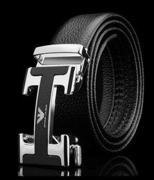 modischer kragen Rabatt Luxus Designer Herren BOSS Gürtel im Jahr 2019. Modisch, schlicht, hochwertig und hochwertig. Der bevorzugte Gürtel des Anhängers aus Weißgold ist kostenlos