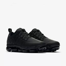 Novos sapatos pretos on-line-2018 Nova Execução UTILITY tênis para homens triplo branco preto Azeitona Borgonha Crush designer mens sports sports sneakers