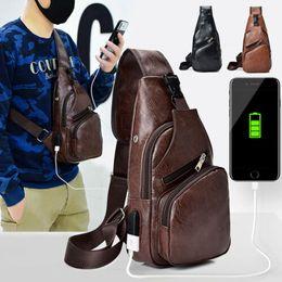 Canada Sac à bandoulière pour homme en cuir PU avec bandoulière et bandoulière + Port de chargement USB cheap men leather chest pack Offre