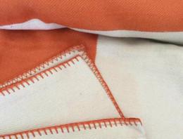 couvertures de laine de cachemire Promotion Lettre H Cachemire Couverture souple imitation laine écharpe Châle chaud Portable Plaid Canapé-lit Toison Tricoté Towell Cape Rose couvertures Couverture