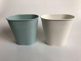 2019 vasi bianchi blu nozze D12XH11CM Spedizione gratuita bianco piccolo vaso ovale mini vaso da sposa vaso per tavolo centrepieces cielo blu carino fiore vasca vasi bianchi blu nozze economici