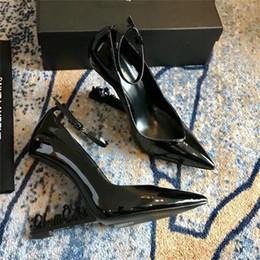 2019 alça de salto azul real Sandálias de Salto alto Mulheres Sapatos de Grife de Luxo Estilo Lady Sexy Sapatos Paris Supermodel Passarela Sola De Borracha Em Estoque
