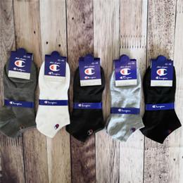 bote gato bebé Rebajas 2019 Marca Campeón Calcetines Mujer Hombre Diseñador Calcetines de tobillo Tobilleras Cuello de corte bajo Zapatillas de deporte Calcetines Calcetines Calcetines de barco Zapatillas de deporte C61305