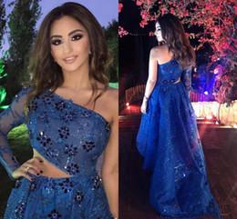 2019 seite hoch niedrige prom kleider High Low Navy Blue Lace Prom Kleider One Shoulder Volle Ärmel Abendkleid Perlen Kristalle Cutaway Sides Party Dress Günstige günstig seite hoch niedrige prom kleider