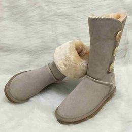 Kadın botları Avustralya Tarzı Kadın Kar Botları 3-Buttons Dekorasyon 100% Hakiki Inek Derisi Deri Çizmeler Marka IVG tasarımcı ayakkabı nereden