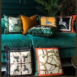 2019 flores rojas ropa de cama verde Cojín almohada decorativa Caso Animal Collection moderna de lujo estampado de zebra de terciopelo suave Coussin Sofá Silla Decoración