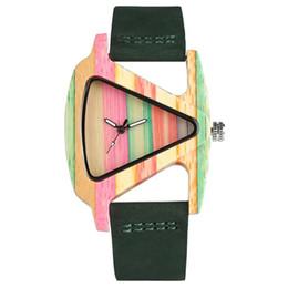 Elegante Holz Uhr Frauen Quarz Handgemachte Holz Armbanduhr für Damen Kreative Design Form mit Echtleder Uhrenarmband Einzigartiges Geschenk von Fabrikanten
