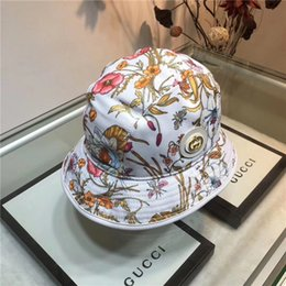 2019 boinas da igreja Mulheres de verão Chapéus de Aba Larga moda casual chapéus designer carta flor chapéu de lazer ao ar livre confortável bola bonés frete grátis