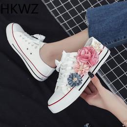 zapatos de deporte hechos a mano Rebajas 2019 primavera nueva flor hecha a mano moda zapatos de mujer zapatos de lona ocasionales rhinestones de la perla deportes de las mujeres salvajes