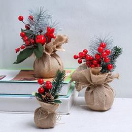 Forniture di decorazione di frutta online-Bacche rosse Berry String Bundle Decorazione natalizia Albero Ghirlanda Ghirlanda Forniture fai da te Fiori artificiali Frutta Matrimonio Capodanno