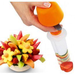 Frutas vegetales que tallan herramientas online-Respetuoso del medio ambiente Diy Canape Cutter Food Shaper Maker Vegetal Fruit Salad Carving Desert Cake Mold Plastic Tool Perfect Decor For Party