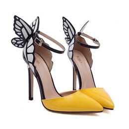 Matrimoni farfalle online-Tacchi alti delle donne di colore di caramella Estate cava Moda casual farfalla tacchi alti scarpe a spillo per le pompe di vestito da matrimoni di promenade del partito
