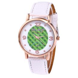 Femmes Horloge Dames Montre Football Galets Bracelet En Cuir Quartz Montres Enfants Reloj jam tangan wanita Relogio ? partir de fabricateur