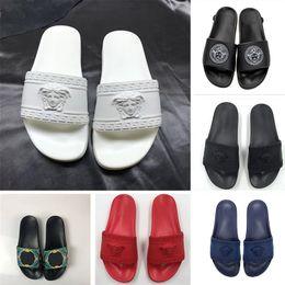 Diseñador de calidad superior Medusa diapositivas zapatillas para hombres mujeres mocasines al aire libre interior negro blanco rojo inferior de moda para mujer zapatos de lujo desde fabricantes