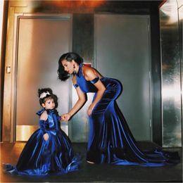 abbastanza abiti per ragazze ragazze Sconti 2019 Cute Flower Blue Velluto Puffy Girl Dresses Halter Backless Handmade Pretty Little Kids Dress di alta qualità
