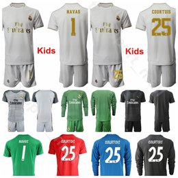 Camiseta de portero juvenil online-2019 2020 Kids Long Goalie Goalkeeper Real Madrid Youth Jerseys GK Set 1 Alphonse Areola NAVAS 13 Thibaut Courtois CASILLAS Fútbol