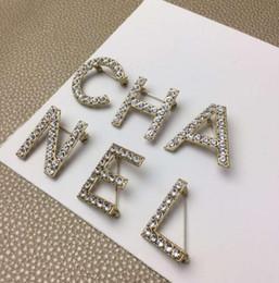 Diseños de broche online-Nuevo diseño 6 unids / set Mujeres Moda Letras Broches de Oro / Plateado Plata de Alta Calidad CZ Letras Broches Para Fiesta de Boda