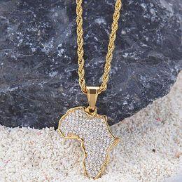 africa mappa pendente d'oro Sconti Collana in acciaio inossidabile smerigliato con pendente con mappa dell'Africa placcata oro 18 carati con corda in chian da 3 pollici da 24 pollici