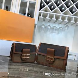 bolsa de porcelana Desconto Forma de correio saco de ombro cadeia saco duas cores dois tamanho com alças telescópicas e alças cadeia e fechaduras magnéticas