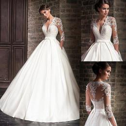 vestido de noiva com vestido de bola Desconto 2019 Maravilhoso Sexy V Neck vestido de Baile Vestidos de Casamento Com Apliques de Renda Meia Mangas Vestido De Noiva com Bolso