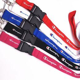 2019 titulares de la insignia de cuerdas de seguridad Campeón llavero Lanyard For Keys Badge Holders Correas de teléfono móvil para iphone Sumsung Diseño de moda DHL libre titulares de la insignia de cuerdas de seguridad baratos