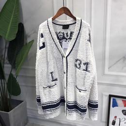 Ponticelli del progettista v online-2019 maglione cardigan stilista di lusso da donna maglione scollo a V monopetto lettere spalla spalla maglione lavorato a maglia spedizione gratuita