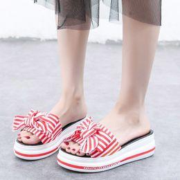 2019 piattaforma piattaforma rossa 2018 nuove scarpe donna piattaforma di marca di moda pantofola a righe lady estate dolce arco zeppe diapositive ragazza adulta footware rosso piattaforma piattaforma rossa economici
