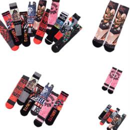 i cartoni preferiti Sconti Calzini stampati in cotone con stampa calzini da uomo di moda calzini sportivi per il tempo libero di moda di strada all'ingrosso calze da donna favoriti per festeT2B5018