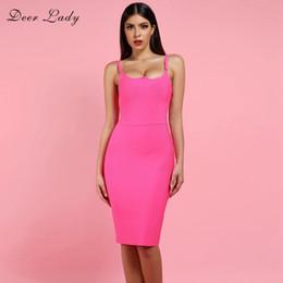 Heiße rosa damen minikleider online-Deer Lady Sexy Verbandkleid 2019 Neuheiten Pink Verbandkleid Bodycon Herbst Frauen Spaghetti Strap Verbandkleid Party Q190417
